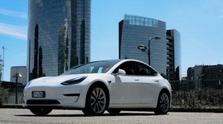 Tesla Model 3 elettrica noleggio a lungo termine. Fringe benefit auto aziendale 2020