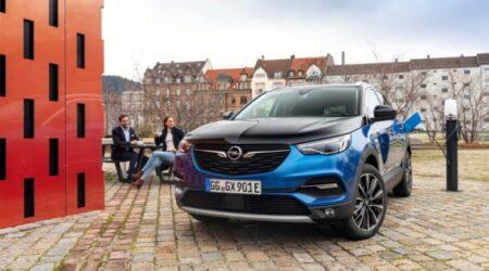 Opel Grandland X Plug In Hybrid Noleggio a lungo termine