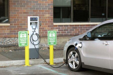 Dove ricaricare auto elettrica