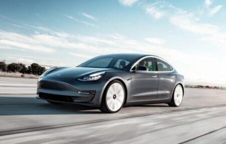 tesla model 3 auto elettrica con maggiore autonomia