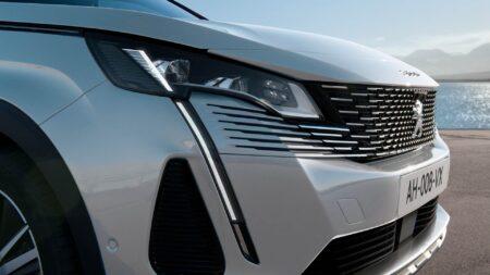Peugeot 3008 restyling 2021 esterni