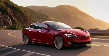 Tesla Model S auto di lusso noleggio lungo termine
